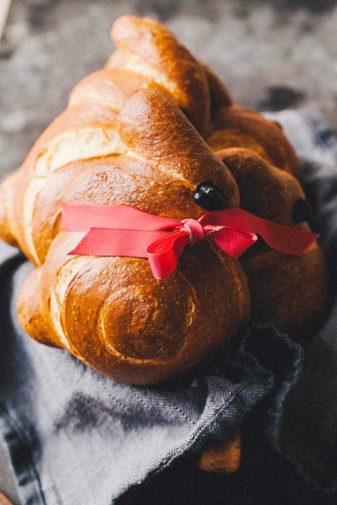 Baked Easter bunny shaped rolls as a gift