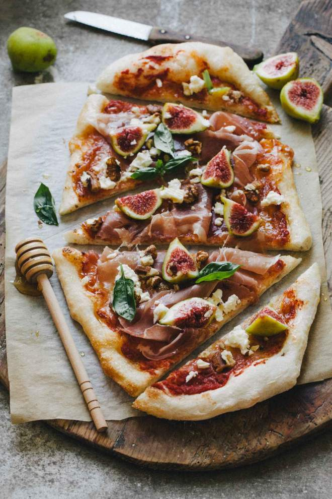 Pizza with figs, prosciutto and feta cheese